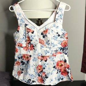 Flowery Torrid empire top, excellent condition!